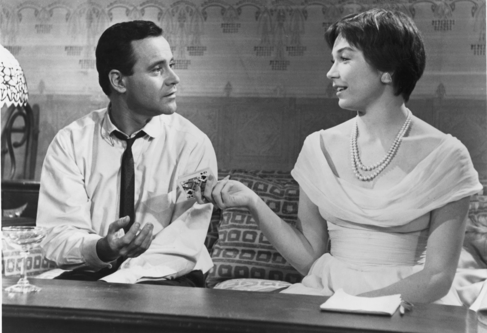 Jack Lemmon and Shirley MacLaine in The Apartment
