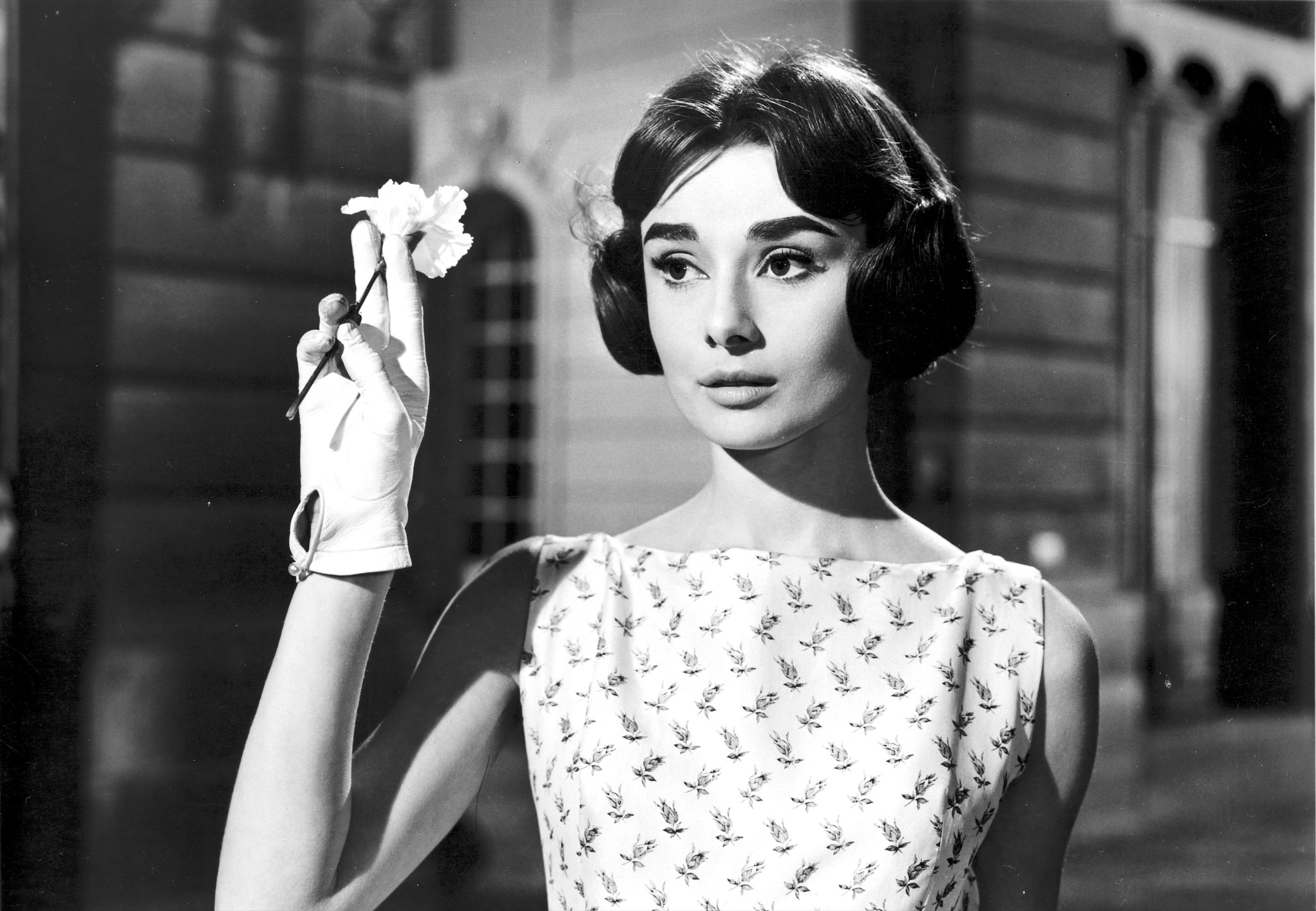 Audrey-Hepburn-in-Love-in-the-Afternoon